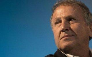 Zico presentó su campaña a presidente de la FIFA en el Maracaná