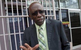 FIFA suspende de por vida al ex vicepresidente Jack Warner