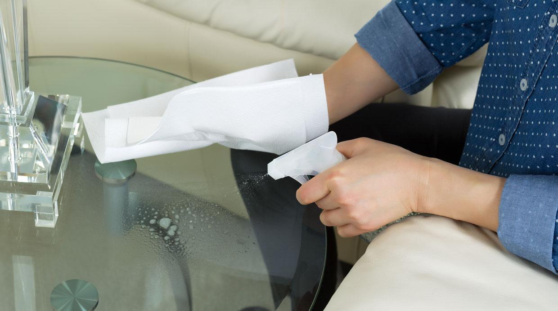 Foto c mo limpiar los vidrios con preparados caseros el - Como limpiar los vidrios ...