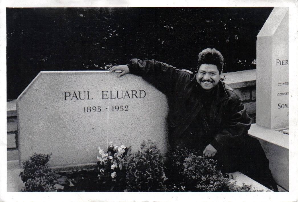 Junto a la tumba de Paul Eluard