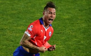 Vargas, autor de golazo a Perú, preocupa en Chile por lesión