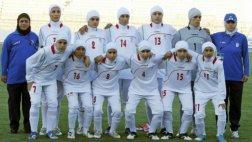 Hombres eran parte de selección femenina de Irán [VIDEO]