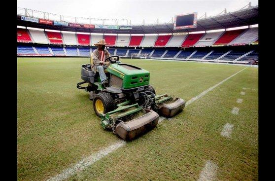 Estadio de Barranquilla 'cambia de cara' para recibir a Perú