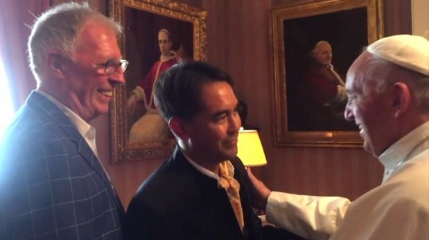 El papa Francisco se reunió con pareja gay en EE.UU. [VIDEO]