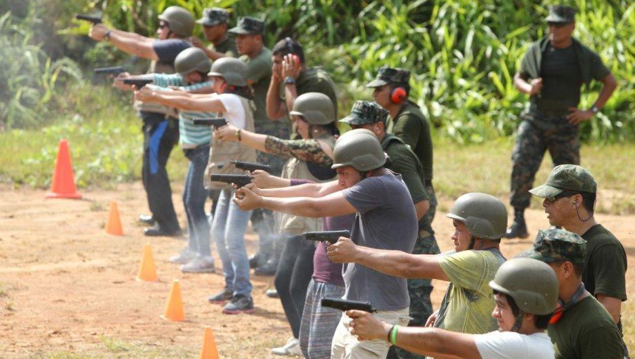 Imágenes del curso de corresponsales de defensa en Iquitos