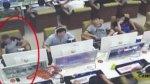 Hombre utilizó un imán para robar un iPhone [VIDEO] - Noticias de robo
