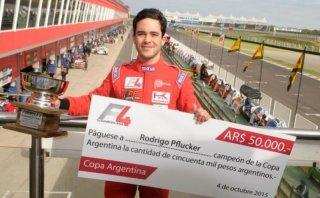 Fórmula 4: Peruano Rodrigo Pflucker ganó la Copa Argentina