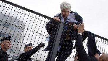 El día en fotos: protestas contra Air France, el Papa y más