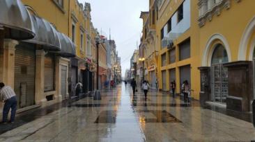 Intensa llovizna en Lima deja estas imágenes [FOTOS]