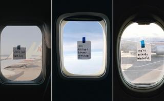 Aeromoza alegra pasajeros con mensajes positivos en su ventana