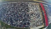 China: infernal tráfico vehicular en 50 carriles [VIDEO]