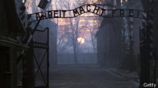 Ferster logró sobrevivir a Auschwitz, pero después fue trasladado a otro campo de detención, Buchenwald. (Foto: Getty Images)
