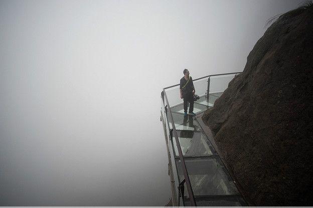 La niebla y los desfiladeros transparentes le dan un aspecto mítico a las montañas de China. (Foto: Getty Images)