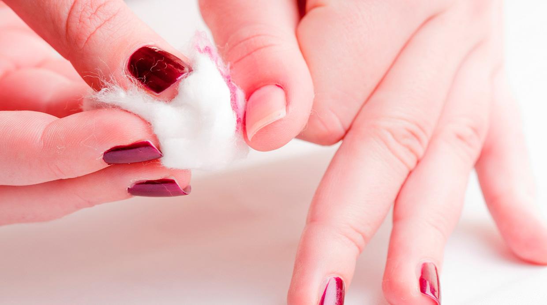 Los medios del blanqueamiento de la piel en las zonas íntimas