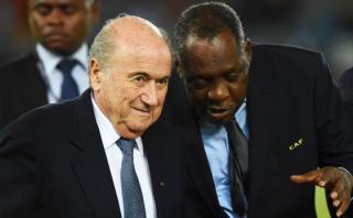 Hayatou: ¿Quién es el nuevo presidente interino de la FIFA?