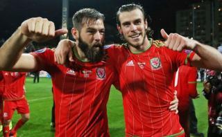 Gales con Gareth Bale clasificó a la Eurocopa pese a perder