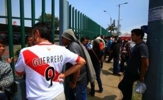 Perú vs. Chile: revendedores triplican precio de las entradas