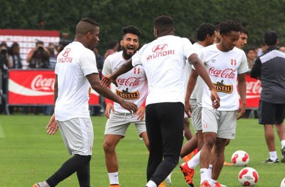 Selección peruana afinó últimos detalles para duelo con Chile