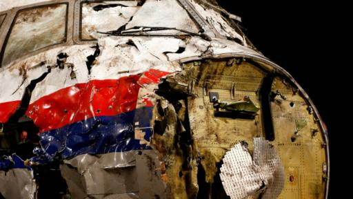 Para su investigación, los expertos holandeses reconstruyeron buena parte del avión.
