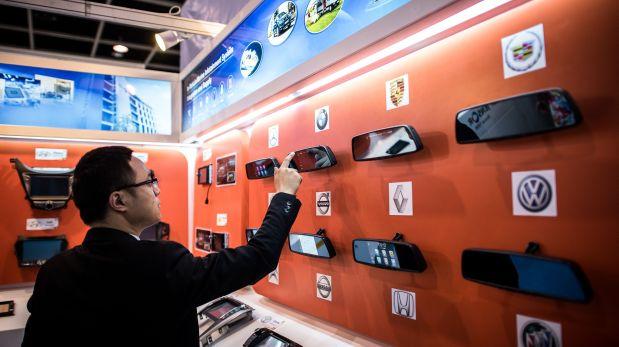 Los collares con cámaras y otro tipo de sensores se han convertido en la nueva moda en cuanto a accesorios para mascotas. (Foto: AFP)