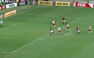 Flamengo: Guerrero y el palo que le negó la chance de anotar
