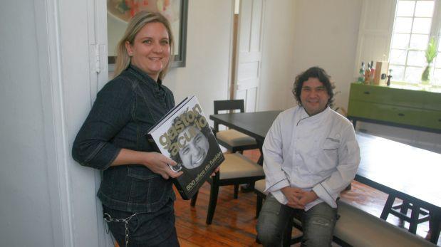 Hirka Roca-Rey, editora del libro, junto a Gastón Acurio, cuando el libro fue presentado. (Foto: Archivo El Comercio)