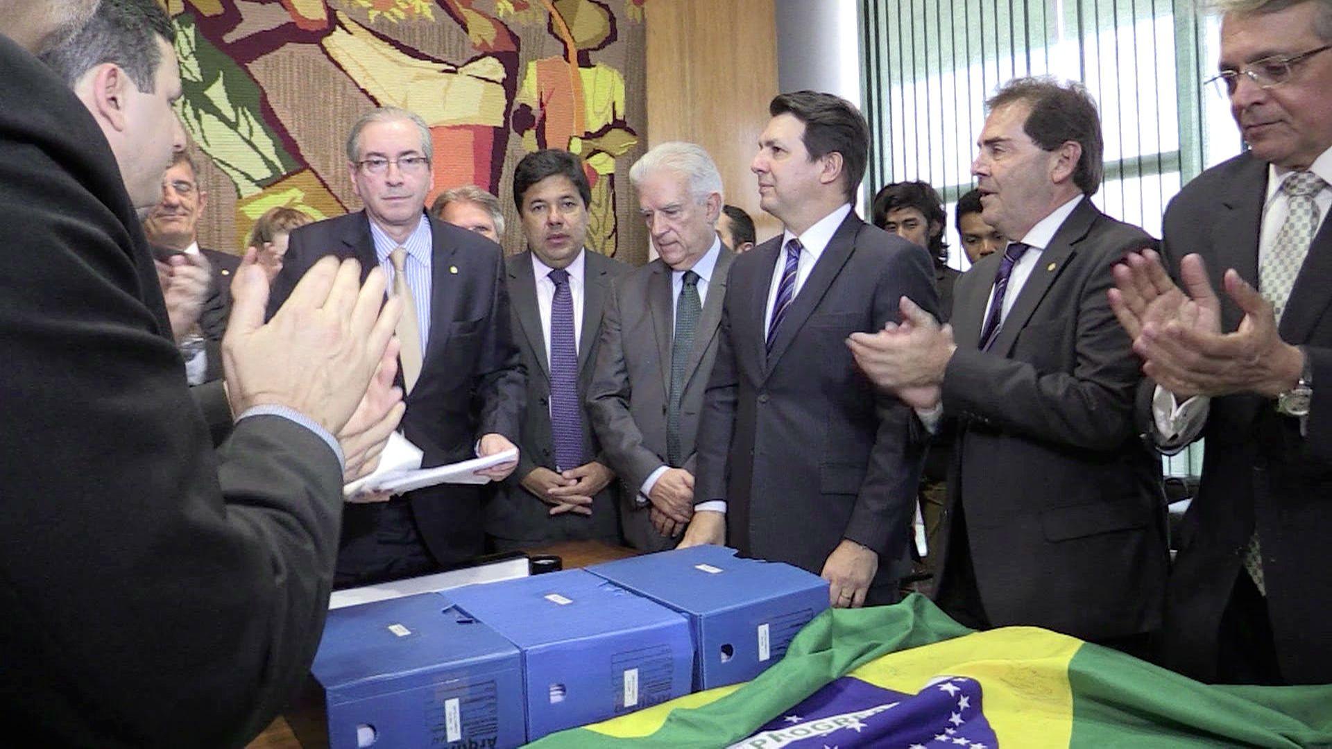 Entregan nuevo pedido de juicio pol tico contra rousseff latinoam rica mundo el comercio peru - Fundar un partido politico ...