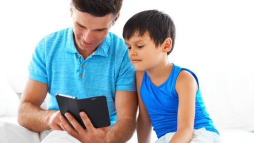 Es responsabilidad de los padres la seguridad de los niños a la hora del uso de los celulares. (Foto: Thinkstock)
