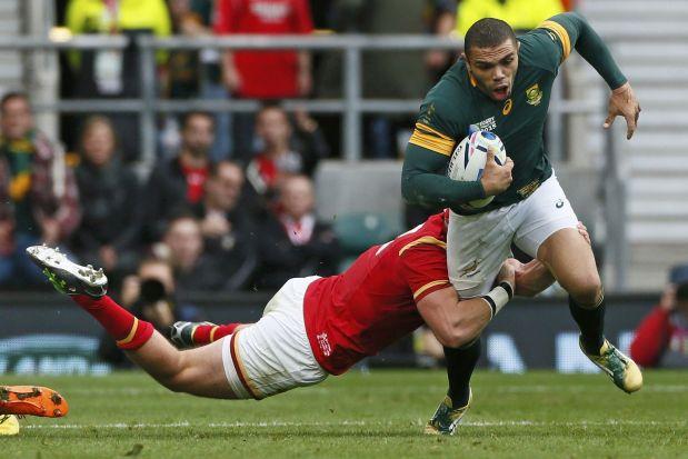 Los wings son los más rápidos en un equipo de rugby. (Reuters)