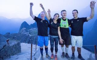 Conoce al atleta invidente que terminó el Camino Inca en un día