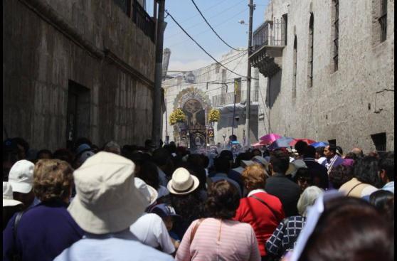 El Señor de los Milagros también recorrió Arequipa [FOTOS]