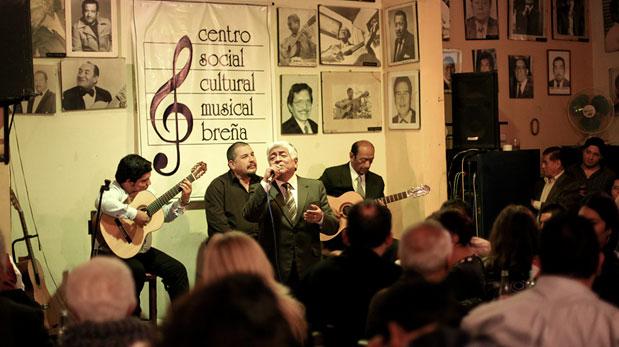 Estampa. Se arma la jarana en el centro musical Breña. (Foto: Francisco Rodríguez)