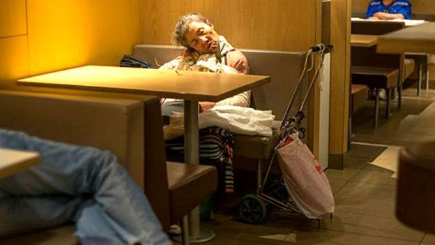 McDonald´s dice que le da la acogida a todo tipo de personas en sus restaurantes. (Foto: BBC)