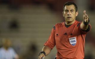 Selección: polémico árbitro chileno dirigirá ante Paraguay