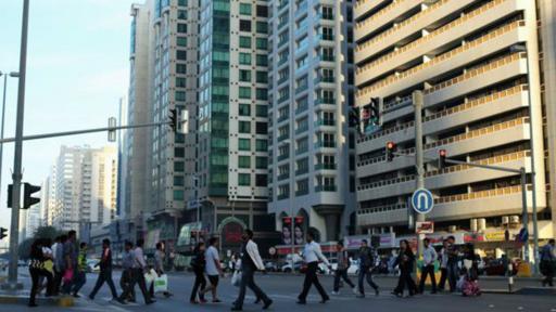 Mónica quedó impresionada, al principio, por los centros comerciales y los rascacielos que encontró en los Emiratos.