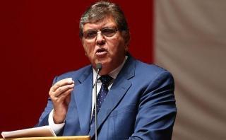 Alan García: sus adversarios cuestionan sus ofertas electorales