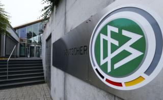 Policía allanó federación alemana por sospechas de Mundial 2006