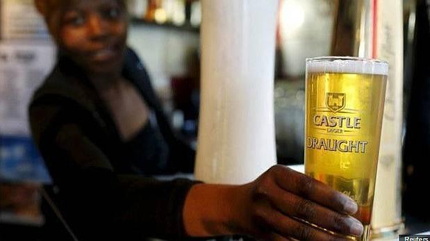 ¿Serán más caras las cervezas a partir de ahora? (Foto: BBC Mundo)