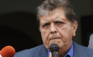 Alan García minimiza resultado de sondeo en que Acuña lo supera