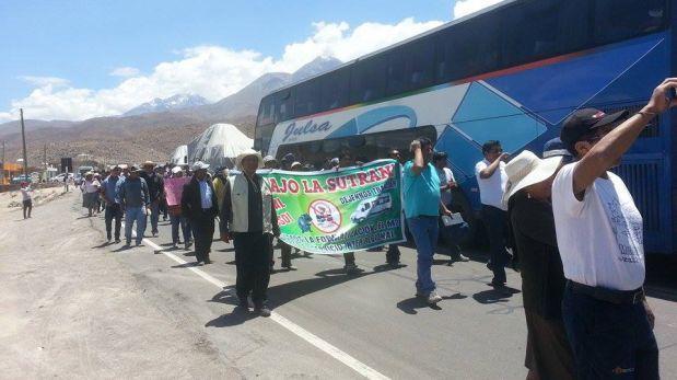 Arequipa: transportistas protestan en la Panamericana Sur