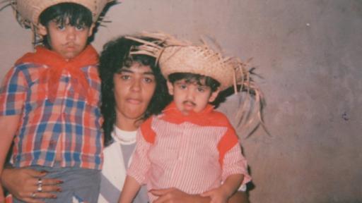 Junto a sus dos hijos, en los tiempos en que estaba vinculada al narco: