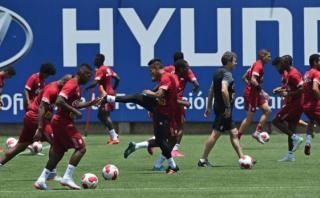 Selección peruana cumplió cuarto entrenamiento en la Videna