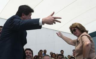 Bailar pegados, por Carlos Meléndez
