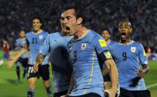 Uruguay tuvo su revancha y goleó 3-0 a Chile en Montevideo