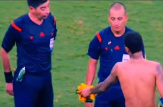 Neymar: árbitro del Perú-Brasil no quiso la camiseta del crack