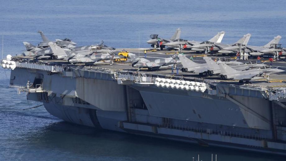 Portaviones francés listo para guerra contra el Estado Islámico