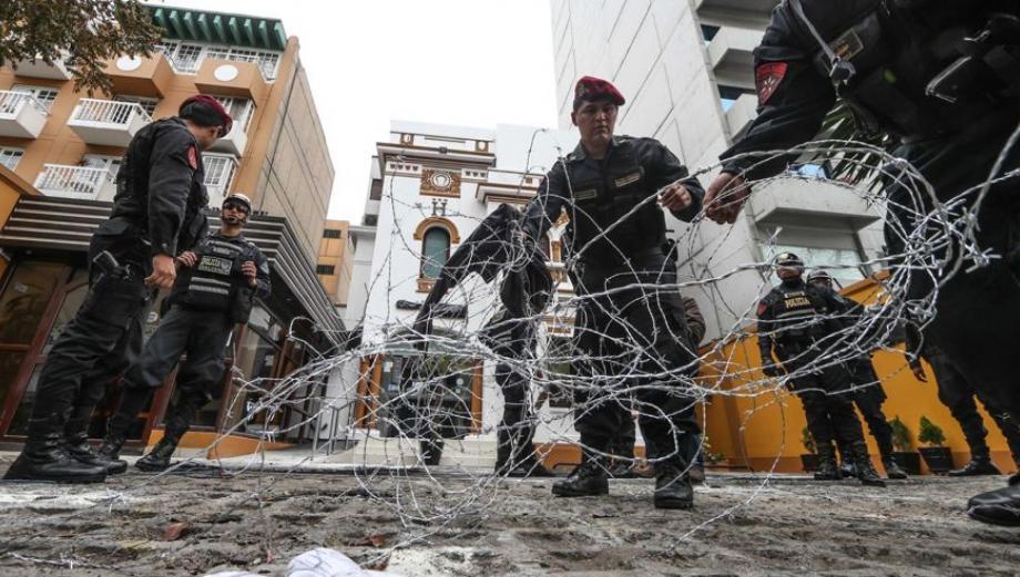 Miraflores: 41 detenidos por atrincherarse en hostal [FOTOS]