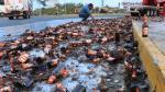Carretera queda 'inundada' de cerveza tras accidente vial - Noticias de accidente viales
