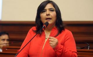 """Ana Jara: """"Hay hostigamiento y asfixia contra Nadine Heredia"""""""