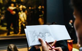 El museo Rijksmuseum busca reemplazar las fotos por dibujos